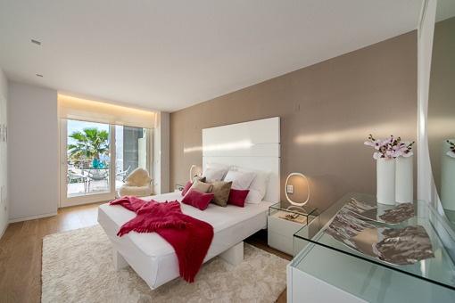 1. Klasse 4 Schlafzimmer Neubau-Luxuswohnung in 1. Meereslinie ...