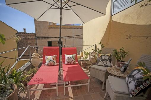 Gemütliches, ruhiges Stadthaus mit schönem Patio und mehreren Terrassen in Andratx