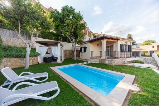 Charmante Villa mit Pool in ruhiger Umgebung mit schönem Ausblick in Campanet und Meerweitblick