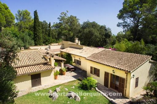 Herrliche Villa mit traumhaftem Garten in absoluter Ruhe bei Pollensa
