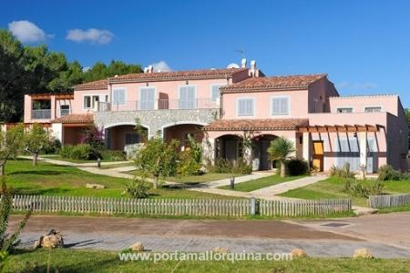 Hübsche Maisonette-Wohnung mit Blick auf Golfplatz und Meer