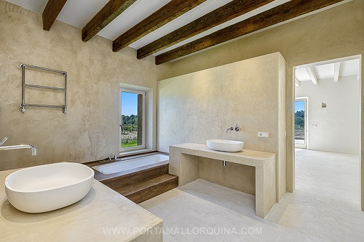 Arta-Luxury-country-house-bathroom