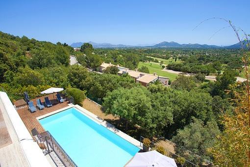 Fantastische Villa mit spektakulärem Ausblick über den Golfplatz von Pollensa