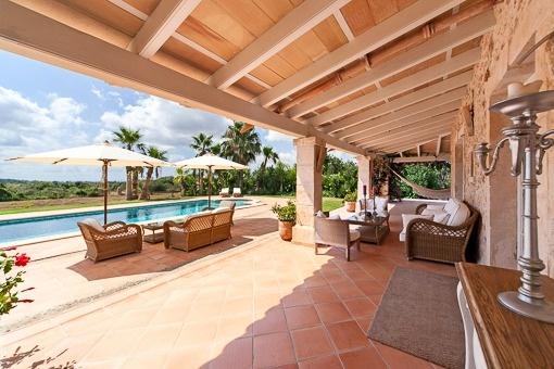 Wundervolle Terrasse mit mediterranem Ambiente