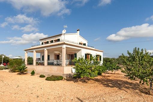 Schönes Landhaus mit Vermietungslizenz und großem Grundstück, in einer ruhigen und natürlichen Umgebung im Dorf Portol