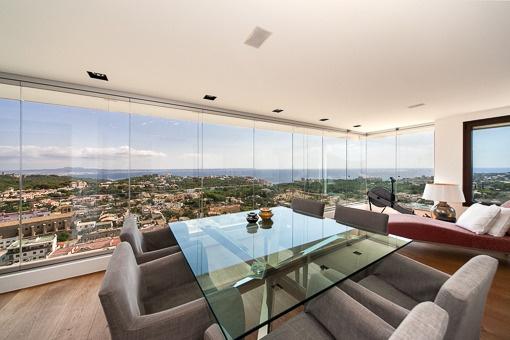 Einzigartige Luxuswohnung mit atemberaubender Aussicht oberhalb von Genova