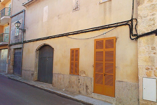 Altstadthaus für Grundsanierrung in malerischer Straßengasse von Muro