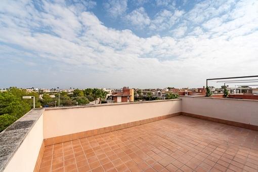 Dachterrasse mit Blick auf die Umgebung