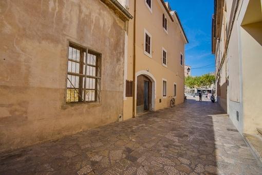 Größtes Gewerbegrundstück mitten im Altstadt-Herzen von Pollensa exklusiv bei Porta Mallorquina