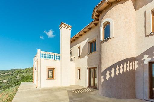 Neu erbaute Finca mit schönem Weitblick in Son Macia
