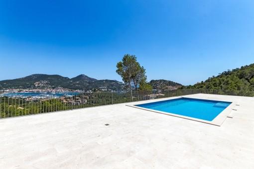 Villa mit großer Terrasse