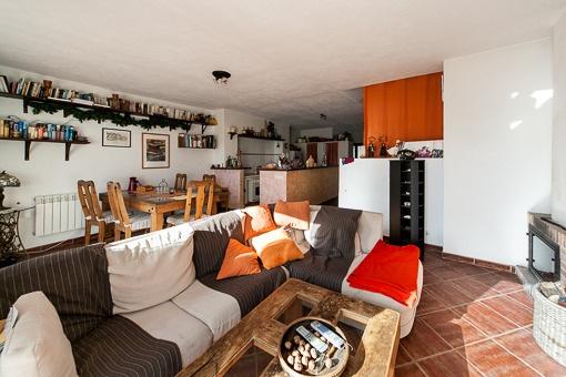 Offene Küche, sowie Wohn- und Essbereich
