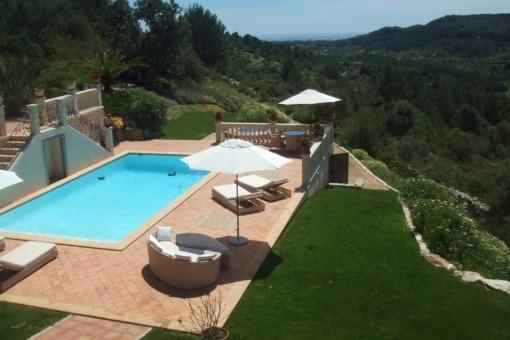 Traumhafte Villa im Landhausstil<br /> mit Meerweitblick in absoluter Privatsphäre in Son Maciá