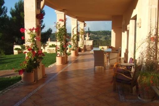 Traumhafte Villa Im Landhausstil Mit Meerweitblick In Absoluter