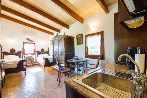 Blick in das Studio von der Küche aus