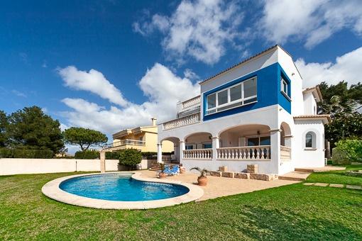 Wunderschönes Meerblick Chalet im modernen Stil - Bahía Azul