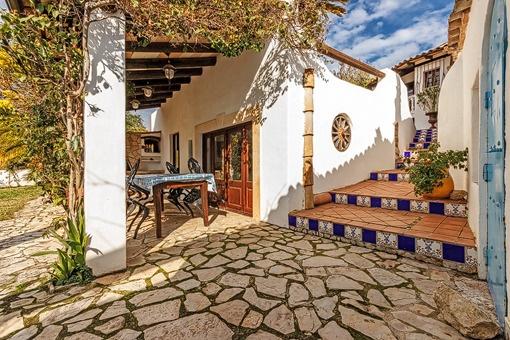 Gemütliche Finca mit einem traumhaften Garten und Blick auf die Berge in Andratx