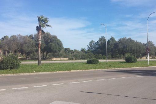 Das Grundstück verfügt über eine sehr gute Autobahnanbindung