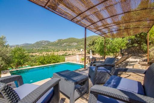 Komplett modernisiertes 1000 Jahre altes mallorquinisches Landhaus mit Pool und Panoramablicken