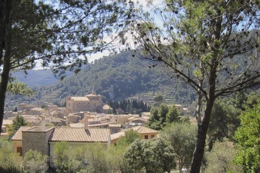 Grundstück mit wunderschönem Ausblick in Valldemossa