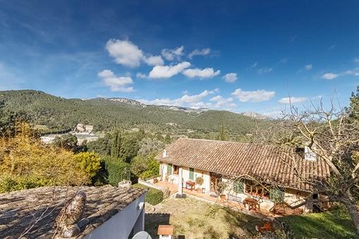 Ruhig gelegene Finca mit Garten und Gästeapartment in Esporles