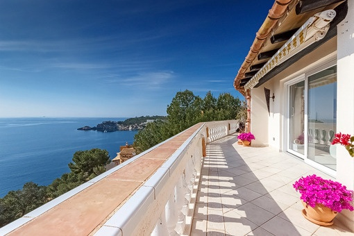 Traumhaftes, modernes Penthouse mit Panoramameerblick in Cala Fornells