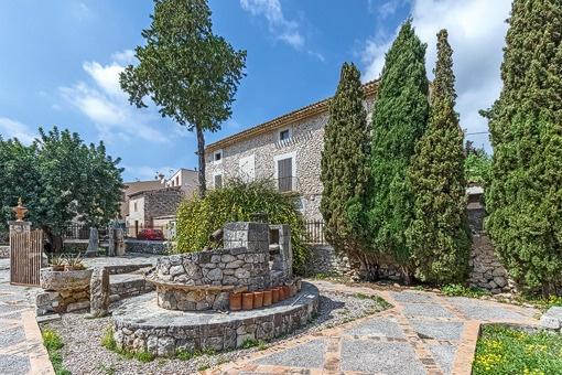 Großes Herrenhaus mit Pool und privater Kapelle in Lloseta