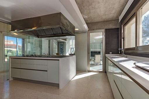 Einmalige Küche mit Kochinsel