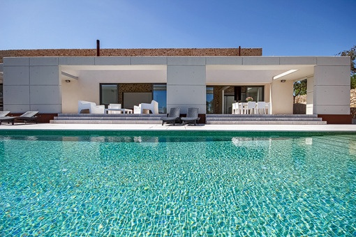 Wunderschöne minimalistische Finca in Porreres mit Landschaftsblick