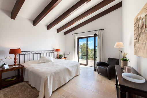 Schlafzimmer mit Blakonzugang