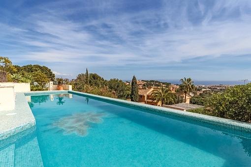 Villa mit spektakulärem Meerblick nahe dem Golfplatz von Bendinat