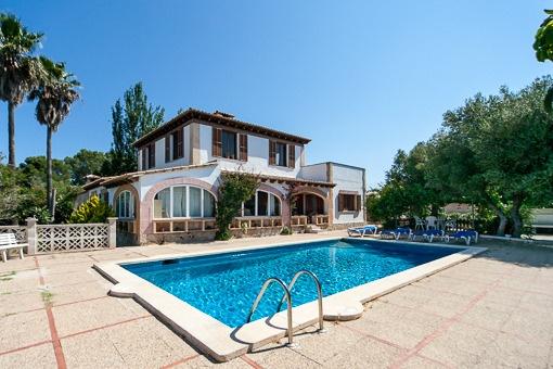 Schöne Villa mit Weitmeerblick und Pool in ruhiger Gegend von Marratxi