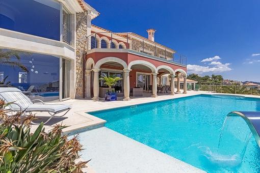 Atemberaubende Luxusvilla in prominenter Lage mit fantastischem Panoramablick in Puerto Andratx!