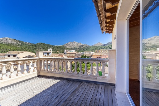 Charmantes Neubau-Dorfhaus in S'Arraco mit fantastischem Panoramablick