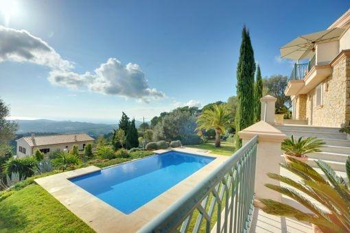 Prächtige Villa mit Meer- und Bergblick in Son Font, Calvia