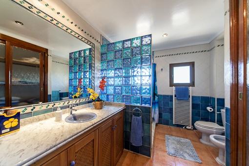 Rustikales Duschbadezimmer