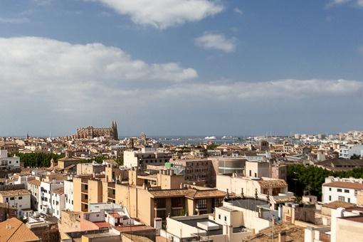 Wunderschönes Penthouse mit Terrassen und herrlichem Blick über die Dächer von Palma, die Bucht und das Meer