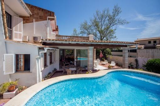 Sonniges Chalet mit Pool in beliebter Villengegend von Puerto Pollensa