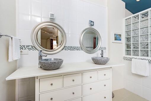 Hauptschlafzimmer mit Dusche