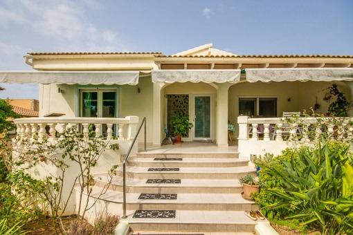 Solide gebautes Eckhaus mit hohem Wohnkomfort  in Son Serra de Marina