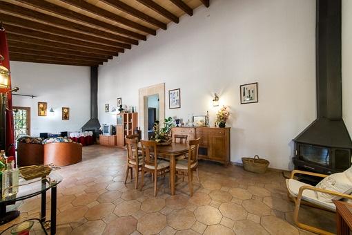 Wunderschöne Neubau - Finca mit Gästehaus in der Nähe von Llucmayor