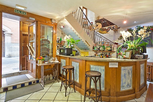 Eingangsbereich und Bar