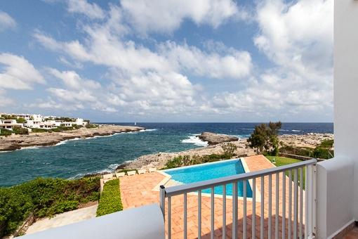 Traumvilla in erster Linie in Cala d' Or mit eigenem Pool und Meereszugang, ruhig und zentral