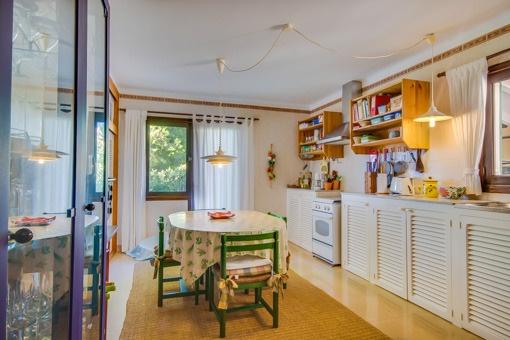 gepflegtes chalet mit sensationellem meerblick in betlem zu kaufen. Black Bedroom Furniture Sets. Home Design Ideas