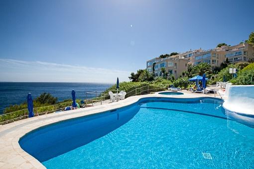 Apartment mit fantastischem Meerblick in erster Meereslinie, Cala Vinyas
