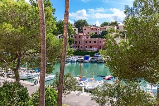 Wohnung mit direktem Blick und Zugang zum Yachthafen in Santa Ponsa