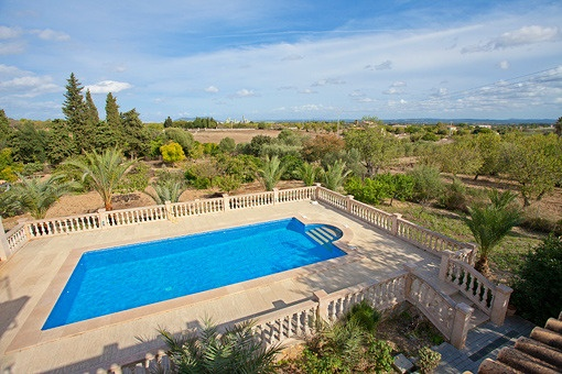 Bezaubernde hochwertige Steinfinca mit Panoramablick, grossem Pool und Sonnenterrassen in Binissalem