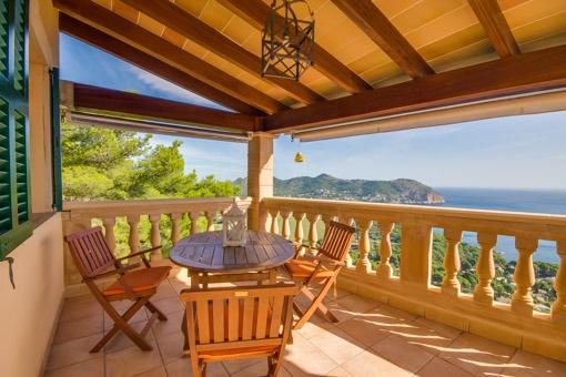 Beeindruckender Ausblick auf das Mittelmeer vom Balkon aus