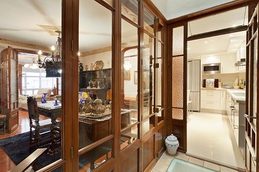 Blick vom Flur in die Küche
