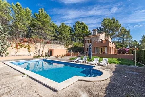 Schönes Einfamilienhaus mit Pool in ruhiger Umgebung in Esporles
